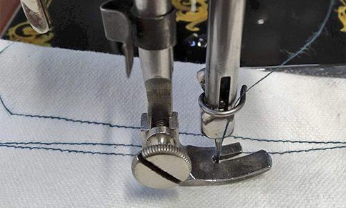 maquina GRITZNER cosiendo