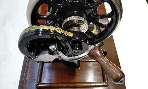 maquina GRITZNER restaurada detalle